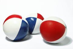 bollblue som jonglerar röd white Royaltyfria Bilder