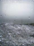 Bolle del primo piano di acqua bollente Fotografie Stock