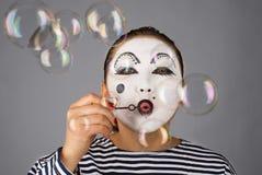 Bolle di salto del ritratto del Mime Fotografie Stock
