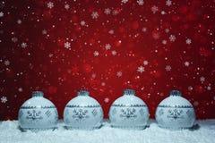 Bollgarnering för vit jul royaltyfri fotografi