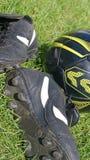 bollgräs shoes fotboll Royaltyfri Bild