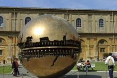bollmuseumskulptur vatican Arkivbild