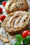 Bollo de la mantequilla de cacahuete imagen de archivo libre de regalías
