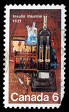 Bollo stampato dal Canada, attrezzatura di laboratorio di manifestazioni utilizzata per la scoperta dell'insulina fotografia stock