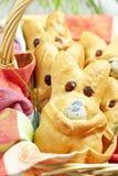 Bollos del conejito de pascua Foto de archivo libre de regalías