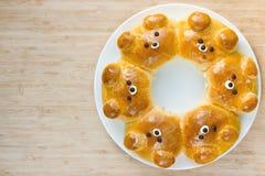 Bollos del oso Bre formado oso ridículo adorable de la leche del tirón-aparte Imagen de archivo libre de regalías