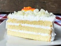 Bolo alaranjado e bolo de chocolate branco Imagens de Stock Royalty Free