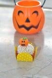 Bolo branco da bola do chocolate de Dia das Bruxas Imagem de Stock Royalty Free