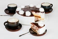 Bolo com cappuccino Imagens de Stock Royalty Free