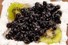 Bolo com fruta Foto de Stock Royalty Free