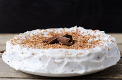 Bolo com pedaços de chocolate Fotografia de Stock