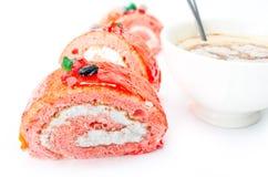 Bolo da fruta de sobremesa com cacau do creme e do raisin Imagens de Stock Royalty Free