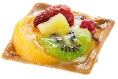Bolo da fruta sobre o branco Fotografia de Stock Royalty Free