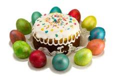 Bolo da Páscoa com ovos. Foto de Stock