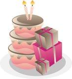Bolo de aniversário e caixas de presente. Imagem de Stock