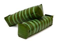 Bolo de arroz glutinoso cilíndrico, alimento vietnamiano do ano novo Fotos de Stock Royalty Free