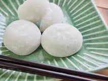 Bolo de arroz glutinoso do alimento tradicional asiático Imagens de Stock