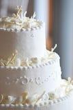 Bolo de casamento branco Imagens de Stock