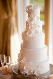 Bolo de casamento branco Fotografia de Stock