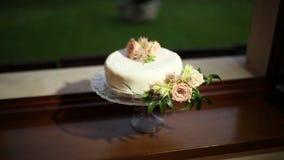 Bolo de casamento com flores Casamento no mar filme