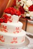 Bolo de casamento com rosas Imagem de Stock Royalty Free