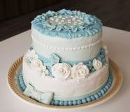 Bolo de casamento com rosas Imagens de Stock