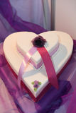 Bolo de casamento de Heartshape Fotografia de Stock