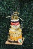 Bolo de casamento do fruto Fotos de Stock