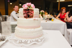 Bolo de casamento do vintage Imagens de Stock Royalty Free