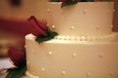 Bolo de casamento elevado do ISO Fotos de Stock Royalty Free