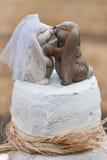 Bolo de casamento exterior imagem de stock