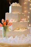 Bolo de casamento - quadrado dado forma Fotografia de Stock Royalty Free