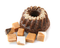 Bolo de chocolate com doces Foto de Stock Royalty Free