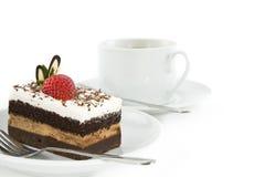 Bolo de chocolate com a morango na parte superior Fotos de Stock Royalty Free