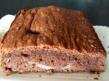 Bolo de chocolate inteiro do trigo com peras Foto de Stock