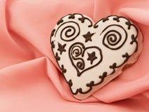 Bolo de especiaria do coração Fotos de Stock Royalty Free