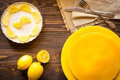Bolo de queijo caseiro do limão, Foto de Stock Royalty Free
