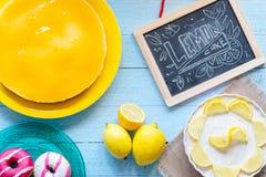 Bolo de queijo caseiro do limão, Fotos de Stock Royalty Free