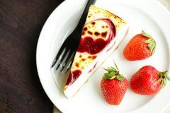 Bolo de queijo do pedaço de bolo Fotografia de Stock