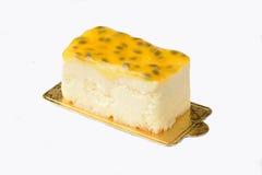 Bolo de queijo dos frutos de paixão fotografia de stock