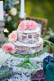 Bolo decorado com rosas Foto de Stock