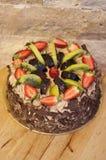 Bolo do fruto do chocolate fotografia de stock
