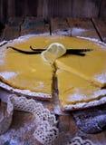 Bolo do limão doce Fotografia de Stock