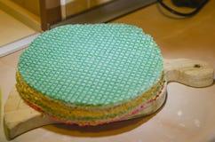 Bolo do waffle com leite condensado fotos de stock
