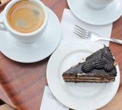 Bolo e café de chocolate Imagens de Stock Royalty Free