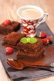 Bolo e café de chocolate imagens de stock