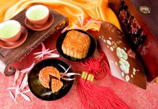 Bolo e chá chineses de lua Foto de Stock