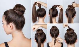 Bolo elegante tutorial do penteado com trança fotos de stock