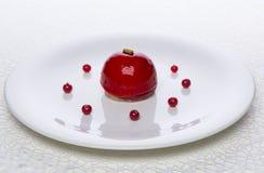 Bolo fresco do corinto vermelho delicioso Fotografia de Stock Royalty Free