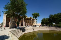 Bolo Hauz moské byggda uzbekistan royaltyfria foton
